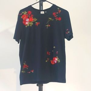 Aritzia Little Moon Embroidered flower Top Size M